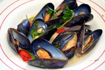 Chipotle Mussels