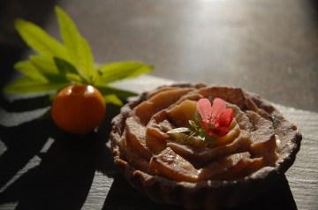 Apple Pecan Tart