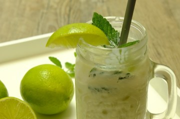 Yoghurt and Mint Chutney
