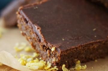 Vegan Banana-Chocolate Chip Cake