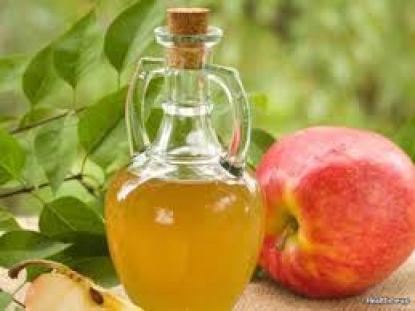 Cách trị gàu và ngứa da đầu bằng giấm táo