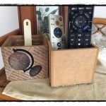 DIYの基本を学ぶ!リモコン立ての作り方とニスの塗り方