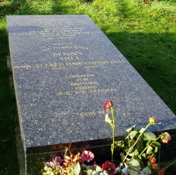 Benny Hill grobowiec
