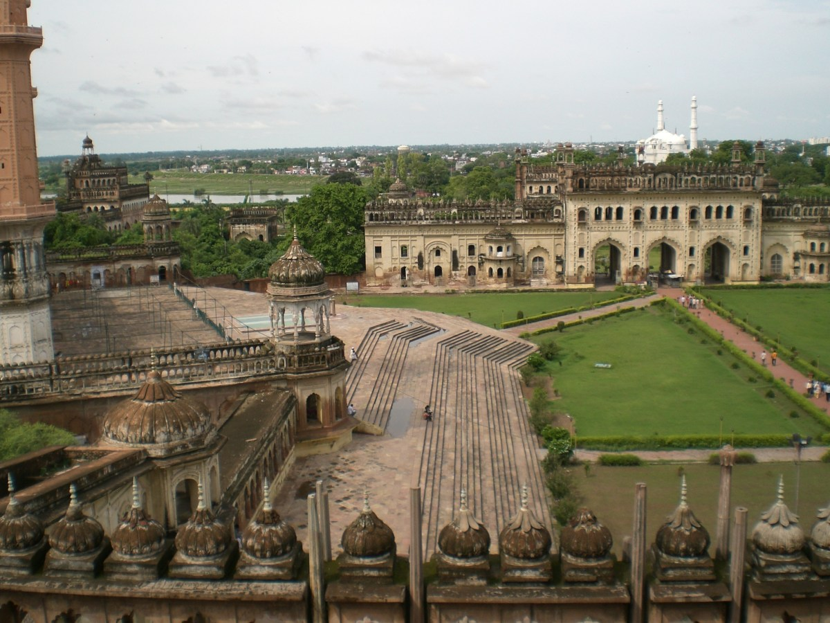 Fascinating Monuments - Bara Imambara , Lukhnow