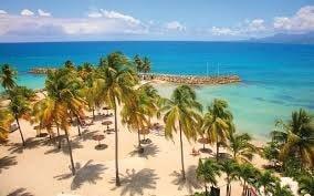 Plage et mer bleue - Guadeloupe