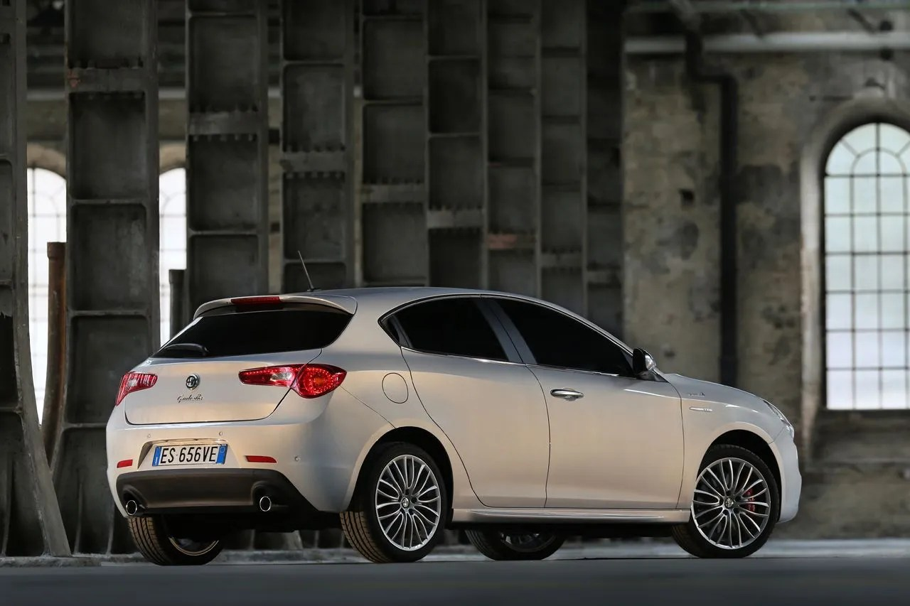 2014 Alfa Romeo Giulietta Review