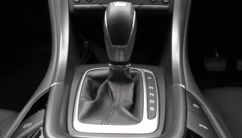 Manual vs Automatic: Which Is Better? - Changing Lanes