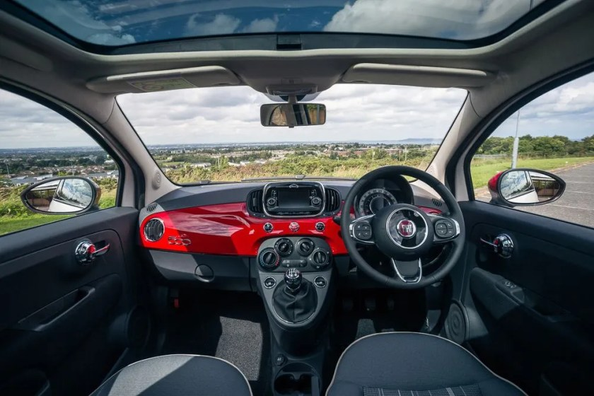 The interior of the 2014 Fiat 500