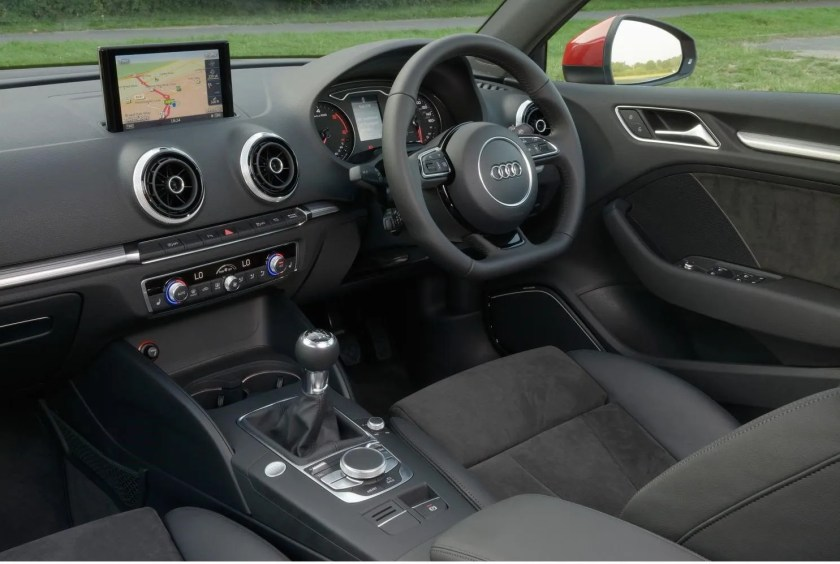 Smart interior in the new Audi A3 Saloon