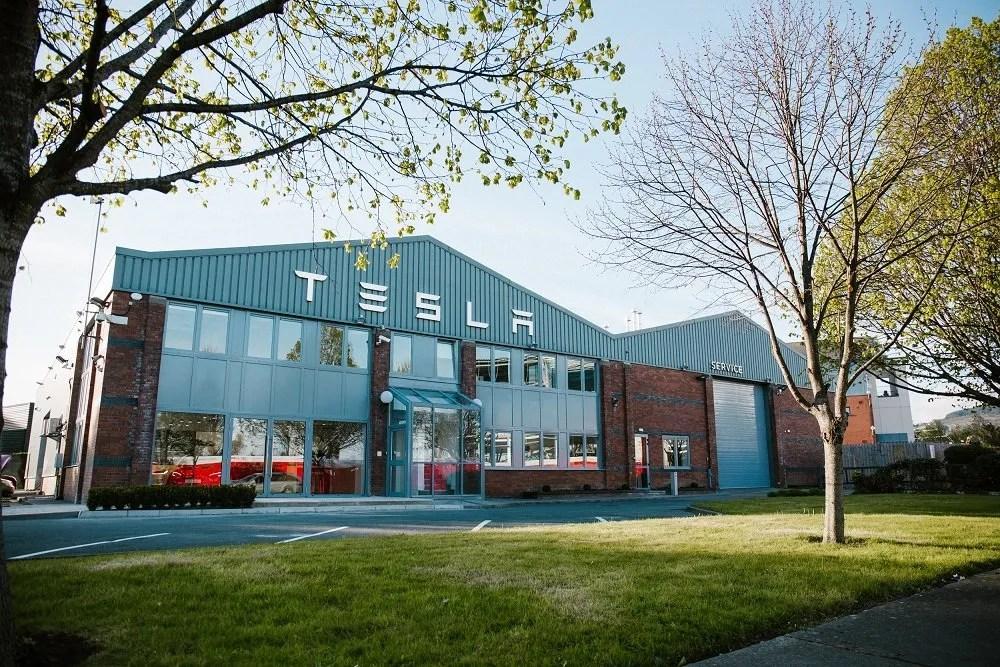 Tesla store in Dublin