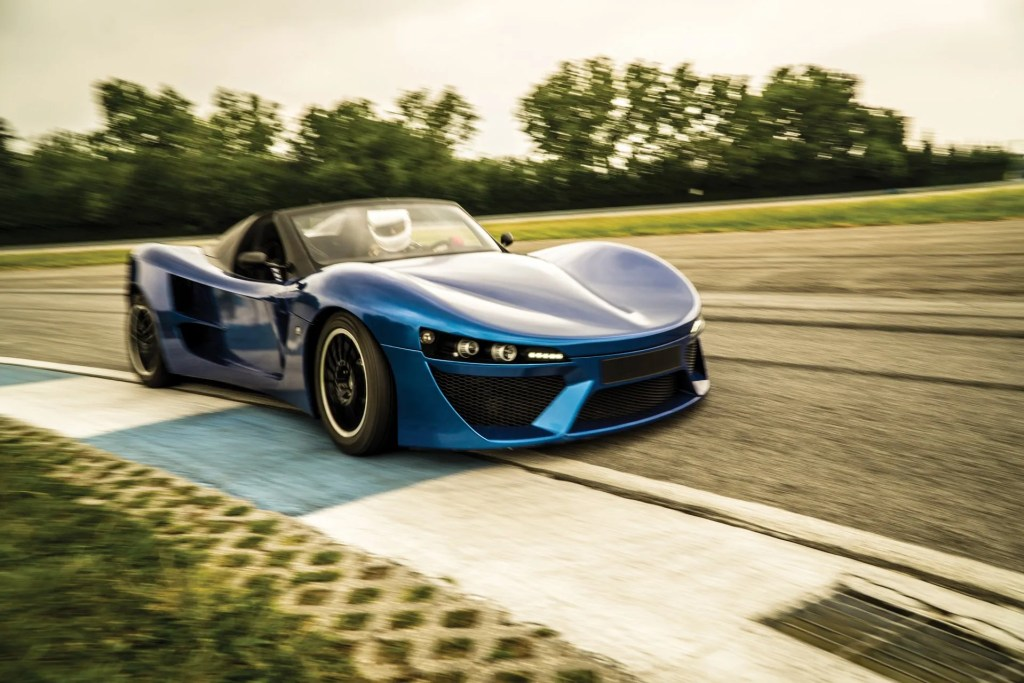The Adamastor sports car P003RL