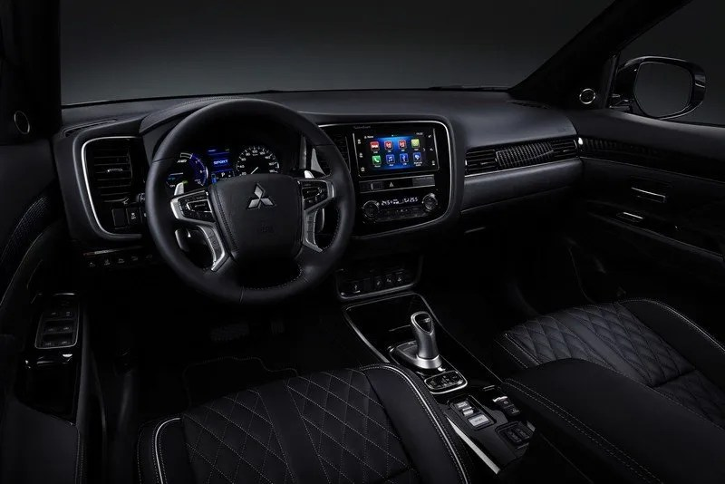 The interior of the revised Mitsubishi Outlander PHEV