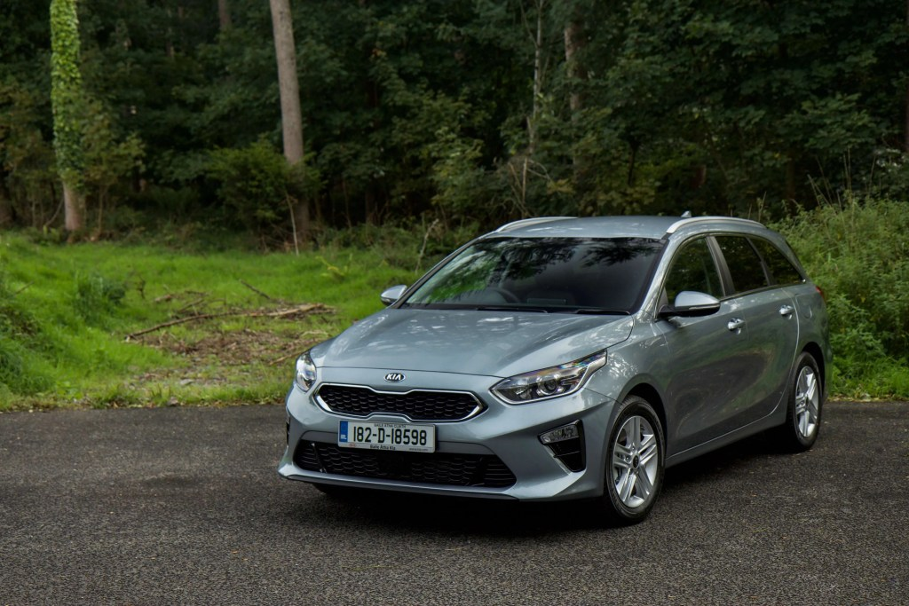2018 kia ceed sw arrives in ireland changing lanes. Black Bedroom Furniture Sets. Home Design Ideas