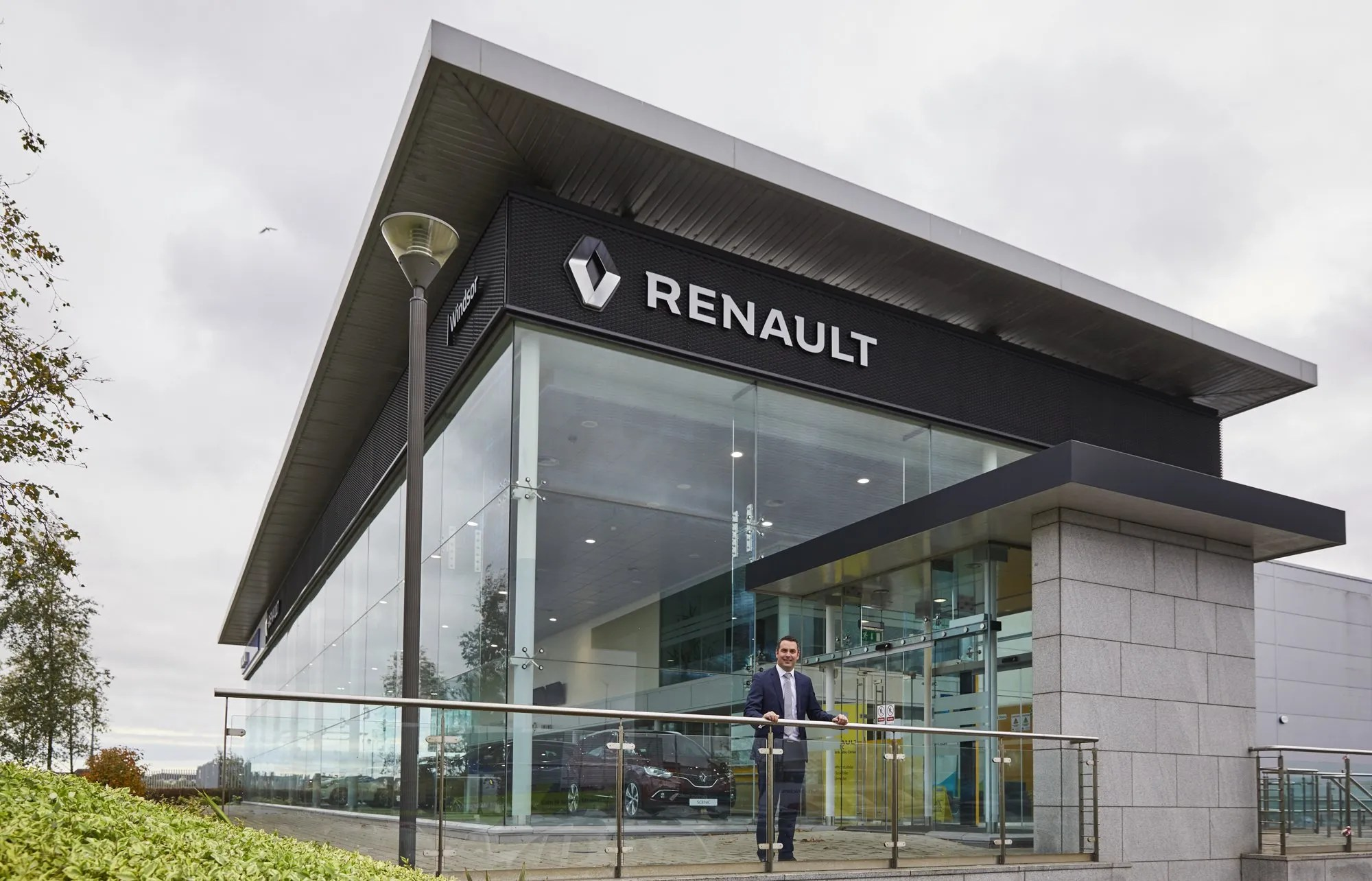 a3bd3e4af1 Windsor Renault   Dacia Airside Opens In North Dublin - Changing Lanes