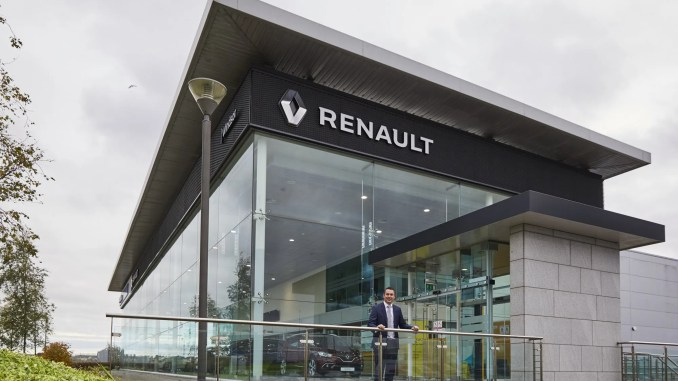 Chris Hanlon, Dealer Manager Windsor Renault & Dacia Airside