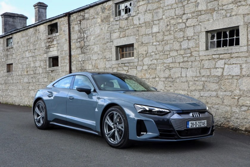 The new Audi e-tron GT on test for Changing Lanes!