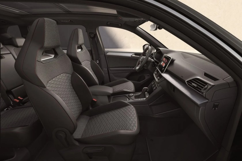 Sporty and comfortable interior for the Tarraco FR