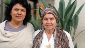 berta_caceres_and_her_mother_austra_bertha_florez_lopez.jpg_1718483346