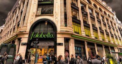 Falabella se despide con dos subastas de más de 10.000 productos online