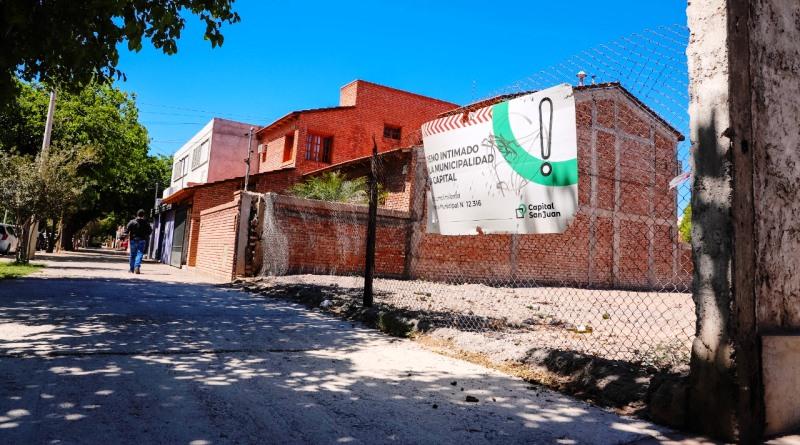 Capital: Más de 350 baldíos cerrados