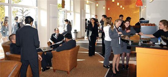 Hội thảo Đại học Quản trị Khách sạn SHMS - Thụy Sĩ 2