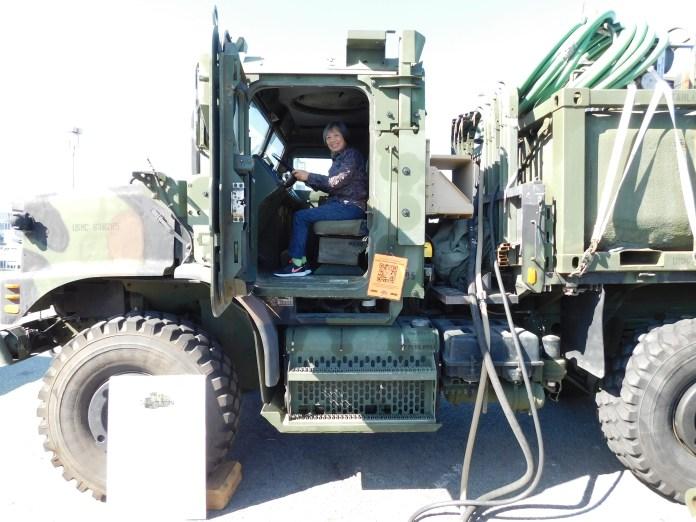 操作美军装备车辆