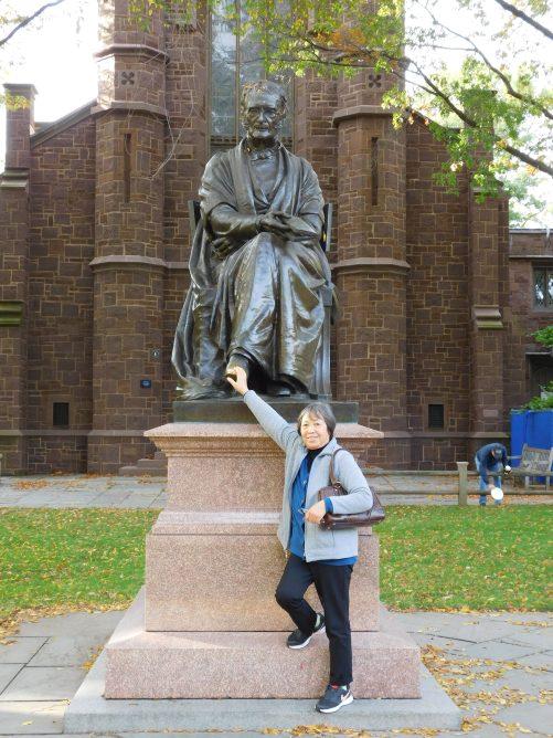 康州纽黑文耶鲁大学小宝加油 奶奶给你加油