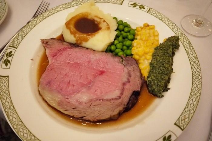 【食記】邁入3字頭的生日大餐.Lawry's勞瑞斯牛肋排餐廳