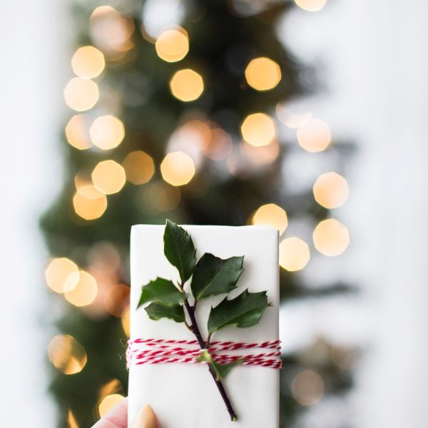 Christmas Gift Guide 2018: White Elephant Gifts (Under $20!)