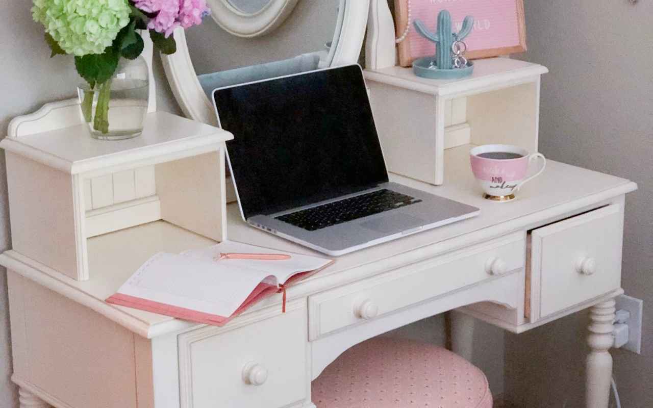 5 Ways to Liven Up a Boring Workspace | Chaos and Coffee