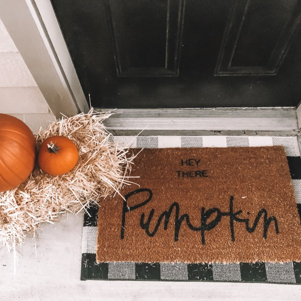 How I Decorated My Apartment for Fall