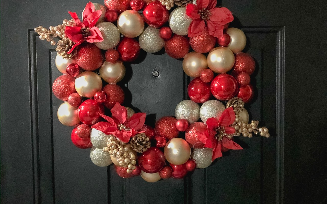 DIY $14 Christmas Wreath | Chaos and Coffee