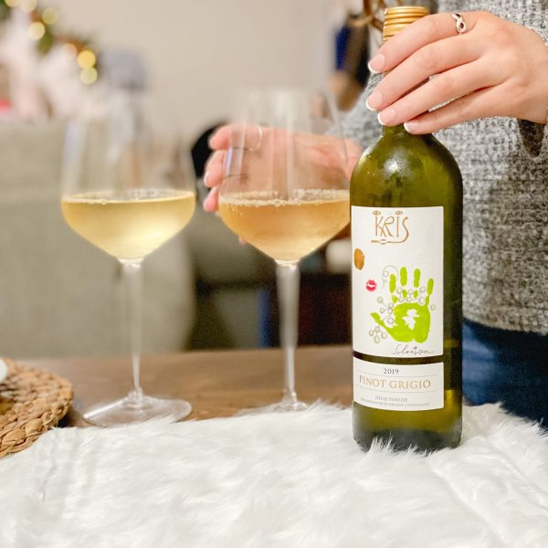 9 Wines to Bring to a Holiday Gathering