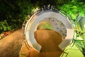 Experimental evaporative cooling reflective radiant cooling pavilion
