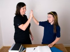 mom-giving-daughter-high-five