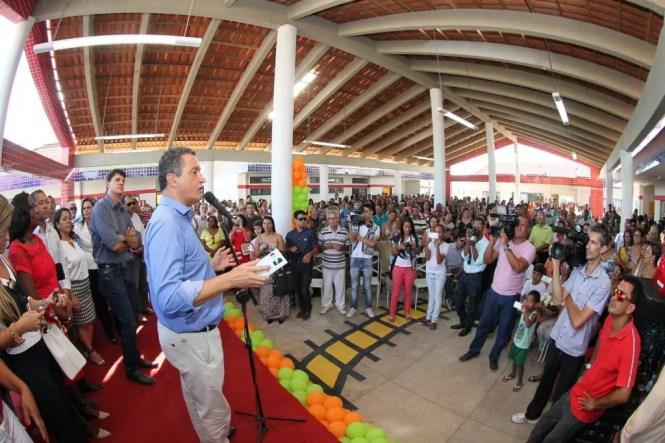 Visita a Centro de Educação Profissional e inauguração de Centros de Educação Infantil em Itaberaba