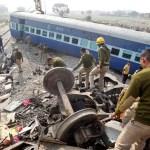 Trem descarrila, mata mais de 100 e deixa 150 feridos
