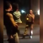 Policial Militar dá choque em homem com criança no colo e vídeo causa revolta