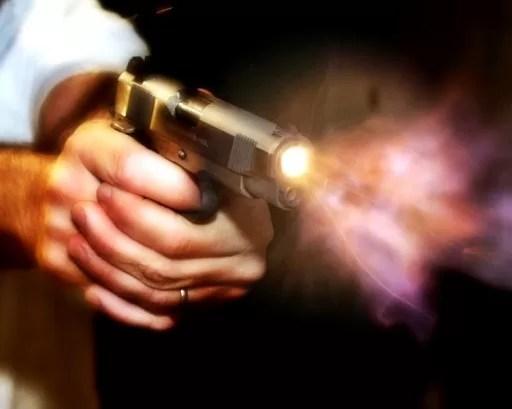 Homem é baleado por criminosos durante assalto na BR-242 em Itaberaba