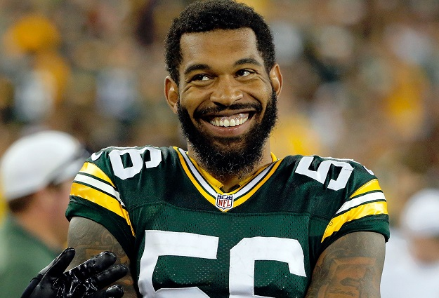 Julius Peppers Returns to Carolina, Signs Deal With Panthers