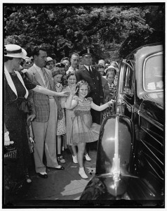 Shirley Temple visits the White House in 1938