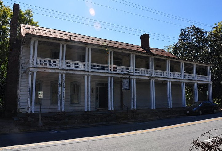 Fate Of Colonial Inn At Stake Wednesday