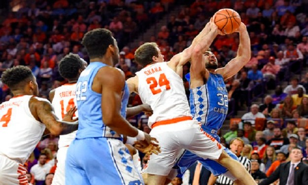 Late Rally Falls Short as No. 20 Clemson Hands No. 19 UNC First Three-Game Losing Streak Since 2014