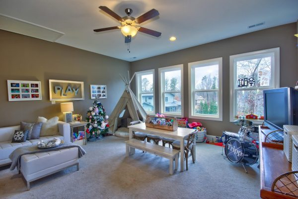 672 Bennett Mountain Playroom