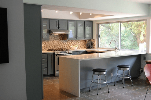 Standard overlay with shaker fronts.