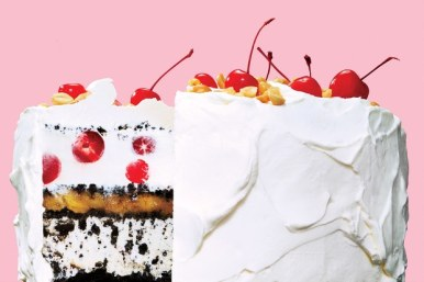 56389894_banana-split-ice-cream-cake_6x4