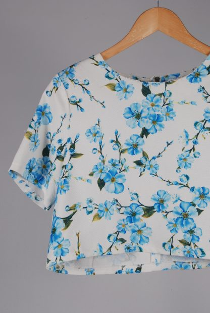 Glamorous White & Blue Floral Crop Top - Size M - Front Detail