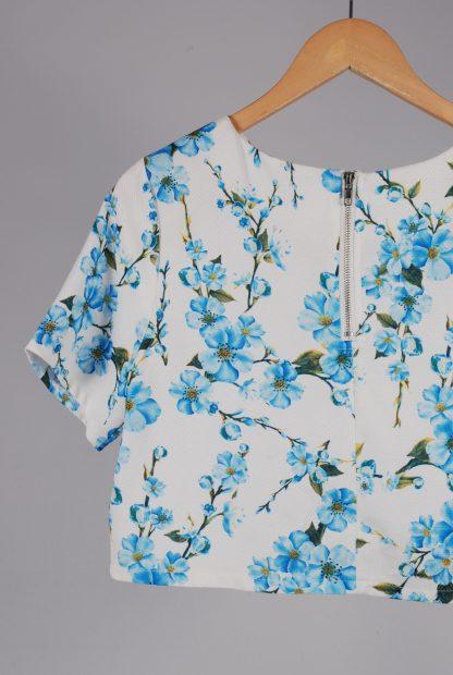 Glamorous White & Blue Floral Crop Top - Size M - Back Detail