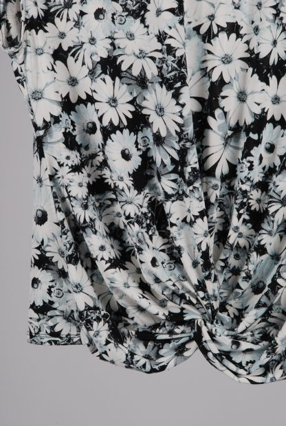 Wallis Black & White Floral Top - Size 16 - Front Hem