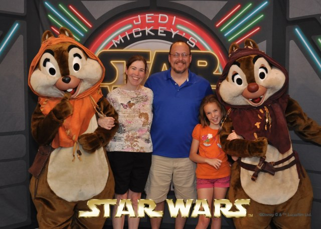 Chip n Dale at Jedi Mickey's Star Wars dinner